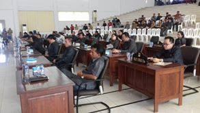 Rapat Paripurna Ranperda IMTA dan Penyampaian LKPJ Kepala Daerah TA 2015 Kepada DPRD Minsel