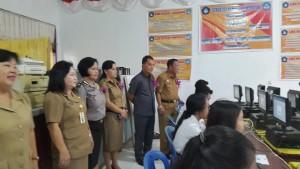 Wabup Minsel Buka Naskah di SMA 1 Motoling, Wakil Ketua DPRD dan Sekda Pantau UNBK di SMK 1 Amurang
