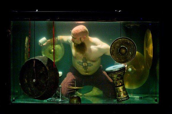 Aquasonic, Grup Band Bawah Air Pertama di Dunia