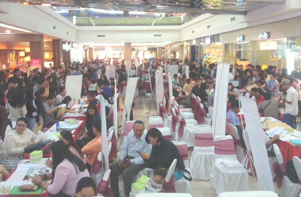 Job Fair ,Disnakertrans Sulut ,  Marsel Sendoh, job fair Mantos II,