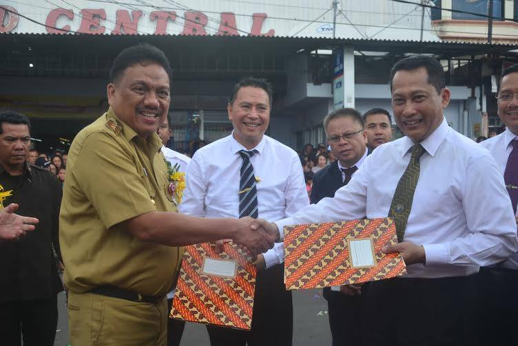 Gubernur Sulawesi Utara , Kepala Badan Narkotika Nasional , Olly Dondokambey SE, Komjen Pol Drs Budi Waseso SH MH