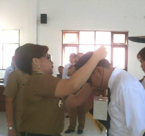 Pelepasan tanda peserta Diklat Prajabatan oleh Wakil Wali Kota Tomohon