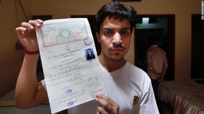 Hassan Khan, suami Zeenat Rafique (foto: CNN)