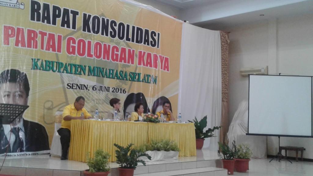 PG Minahasa Selatan, Jenny J Tumbuan, Robby Sangkoy , partai golkar,