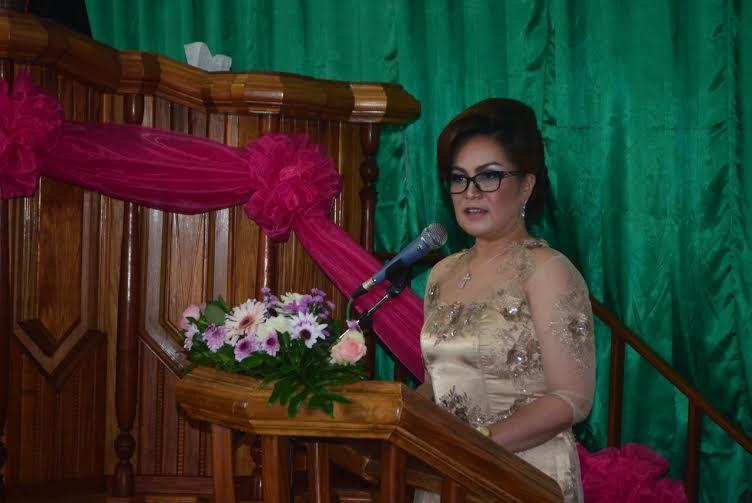Wakil Wali Kota Syerly Adelyn Sompotan  yang juga ketua panitia membawakan sambutan