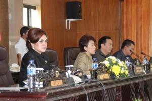 Semua Fraksi di DPRD Tomohon Setuju Ranperda Pertanggungjawaban APBD 2015 Dibahas Lanjut