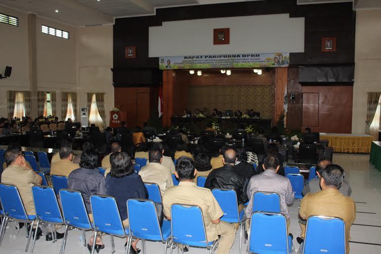 Rapat Paripurna Pengajuan Laporan Pertanggungjwaban Pelaksanaan APBD Tahun 2015