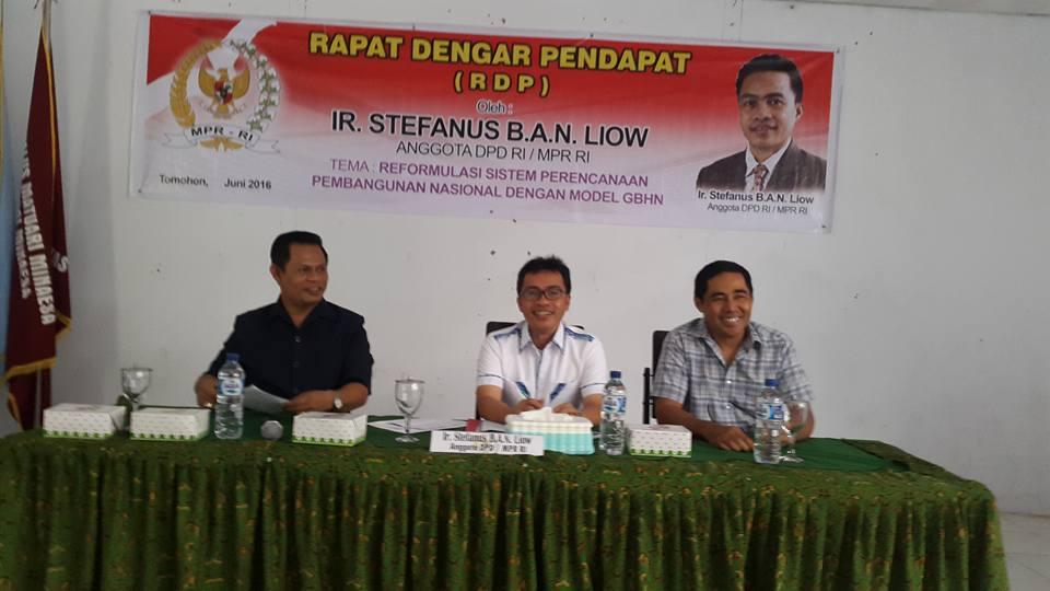 Senator SBANL, Drs Jackried K Maluenseng dan moderator Dr Ir Yongker Baali MSi