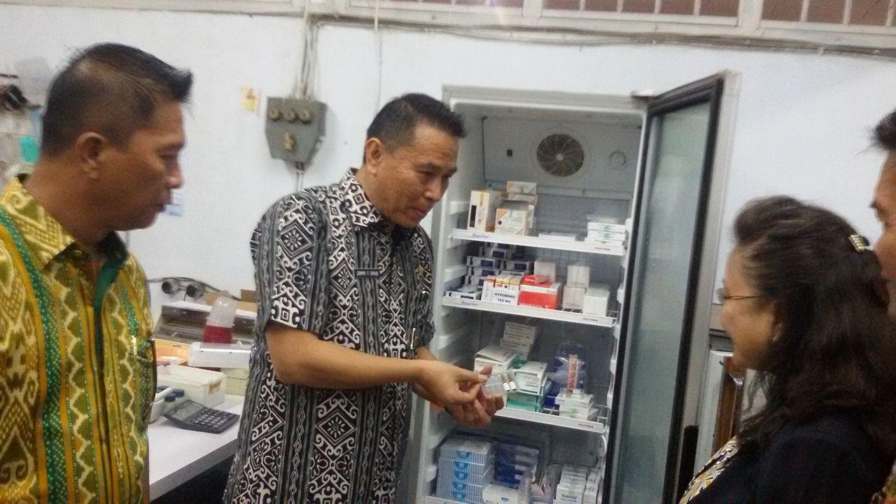 Wali Kota memeriksa vaksin di RS Bethesda