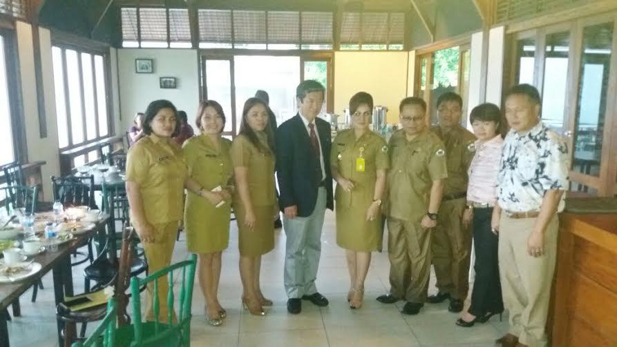 Wakil Wali Kota Syerly Adelyn Sompotan didampingi Kadis Dikda Drs Gerardus E Mogi bersama perwakilan Kota Okegawa