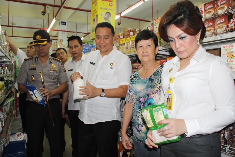 Peninjauan ketersediaan dan harga di Pertokoan Pusat Kota Tomohn