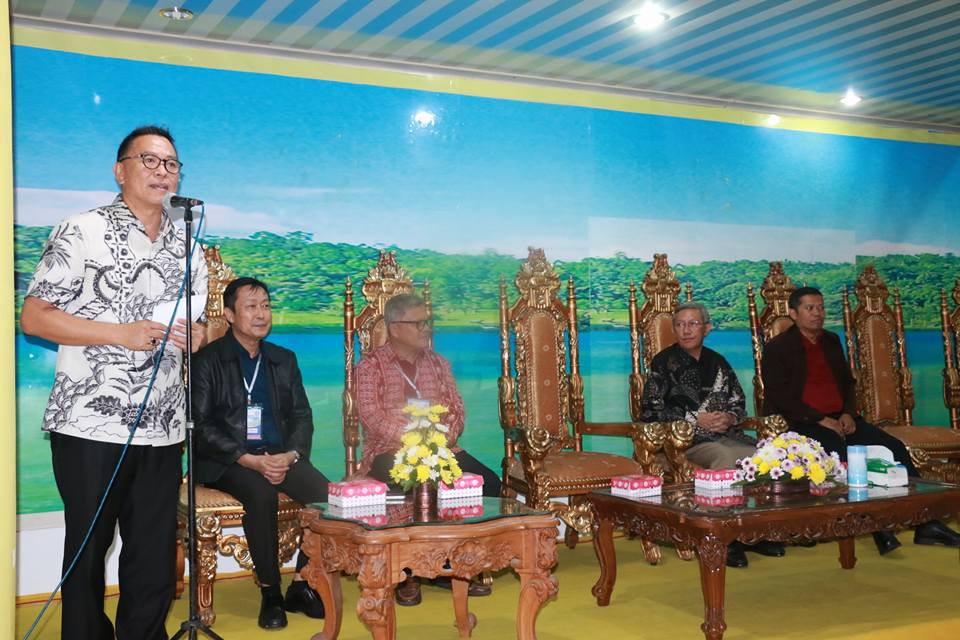 Wali Kota Tomohon memberikan sambutan sekaligus memperkenalkan TIFF dan mengundang anggota AFEBI