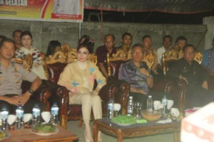 Christiany Eugenia Paruntu ,Frangky Donny Wongkar,Minahasa Selatan, Idul Fitri