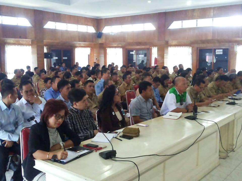 jajaran Pemkot Bitung, BUMN, BUMD dan perusahaan swasta saat tatap muka dengan Anggota Komite III DPD-RI Ir Stefanus BAN Liow