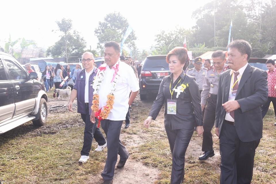 Gubernur Sulut saat membuka Perkemahan Kreatif Remaja Rayon Tomohon kemarin
