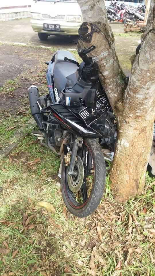 Sepeda Motor yang terlibat tabrakan