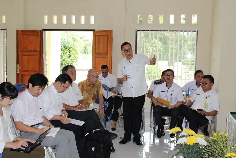 Wali Kota Tomohon Jimmy F Eman SE Ak mempresentasikan potensi Kota Tomohon