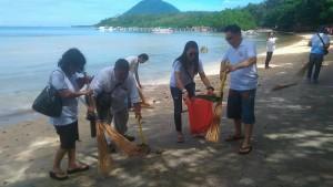 Duta wisata Sulut, Yerry Tawaluyan,  pantai Bunaken,