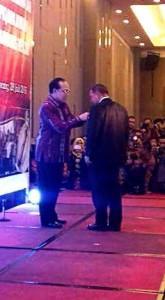 Minahasa Tenggara,  James Sumendap SH , penghargaan Manggala Karya Kencana, Keluarga Berencana Nasional