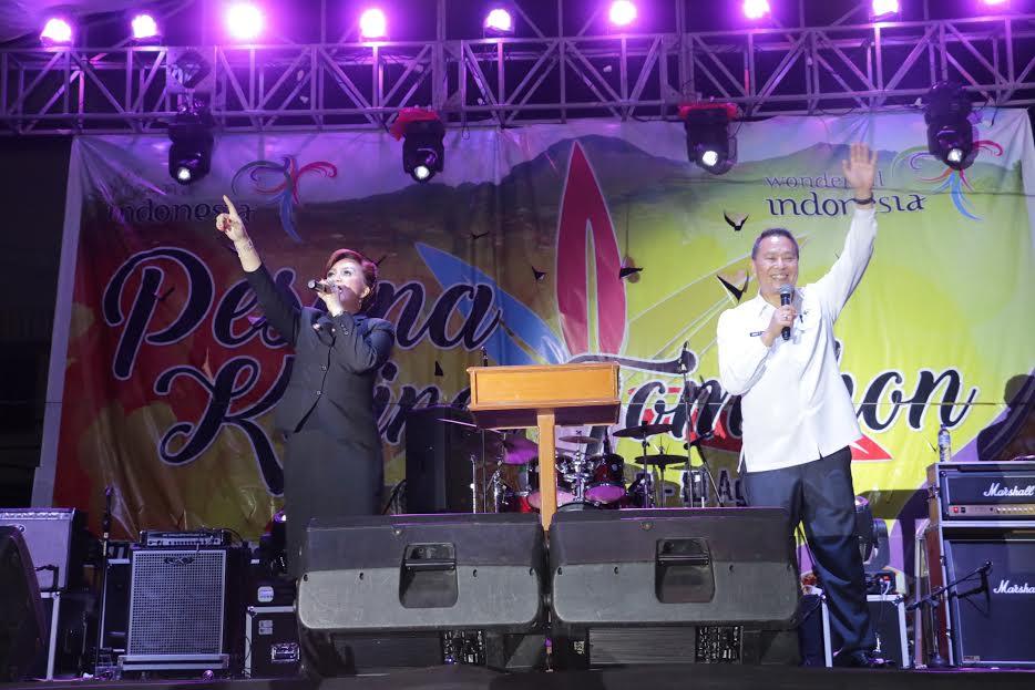 Wali Kota Jimmy F Eman SE Ak dan Wakil Wali Kota Syerly Adelyn Sompotan di Ibadah KPI Tomohon Bersyukur