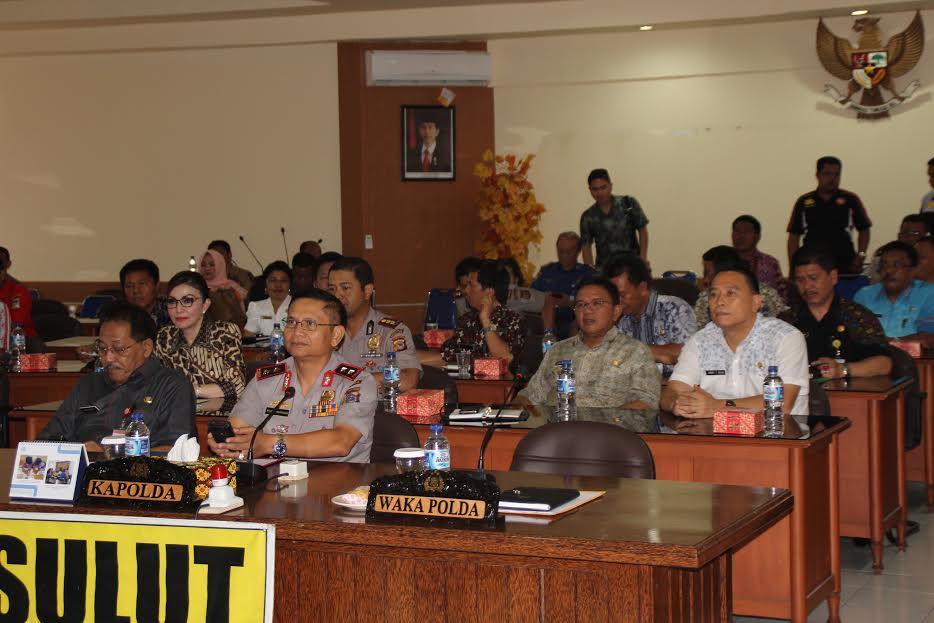 Wali Kota Tomohon ikut Video Conference dengan Kapolri di Polda Sulut