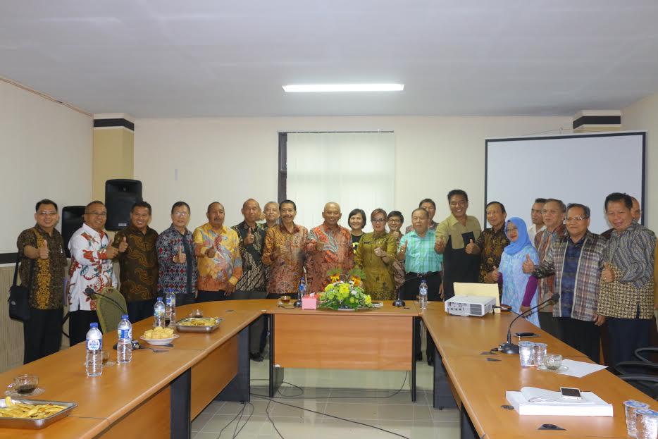Jajaran Pemkot Tomohon dan Pemkot Bekasi usai pertemuan