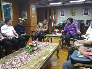 Dondokambey Temui Menteri LHK Bahas Bunaken dan Kelistrikan Sulut