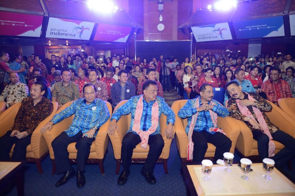 Wali Kota Tomohon Jimmy F Eman SE Ak menghadiri Launching FPSL
