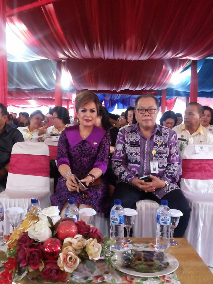 Wakil Wali Kota Syerly Adelyn Sompotan dan jajaran di Pameran HUT ke-52 Provinsi Sulut