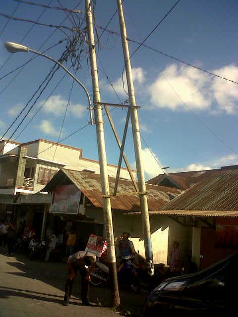 Riang listrik yang membahayakan keamanan warga