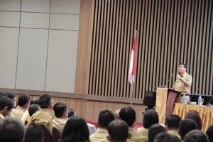 Aparatur Desa,  Wakil Gubernur Sulawesi Utara , Steven Kandouw, dana desa