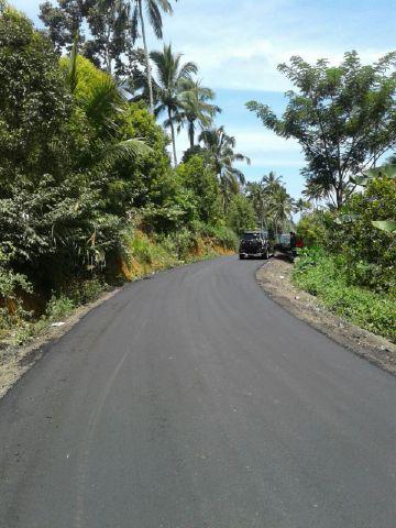 Salah satu ruas jalan yang baru diperbaiki di Mitra