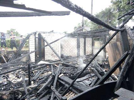 Kondisi rumah usai terbakar di Wailan Tomohon Utara