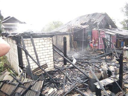 Kebakaran di Lingkungan 10 Kelurahan Walian Tomohon Utara