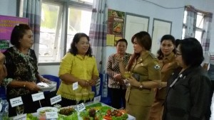 Lomba Cipta Menu, BKP Tomohon, Syerly Adelyn Sompotan,Ir Vonny Pontoh MBA
