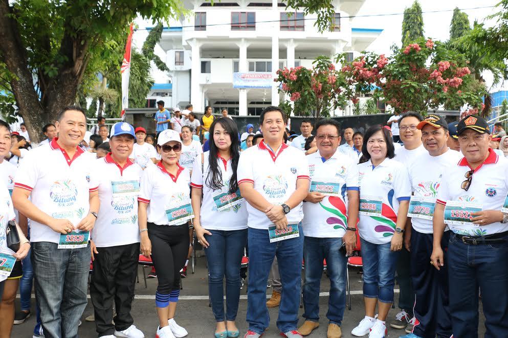 Wali Kota Tomohon saat menghadiri Colorfull FPSL di Bitung