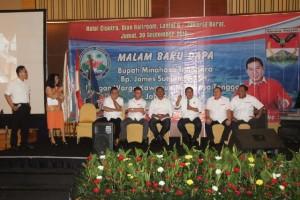 DIALOG: Bupati James Sumendap yang didampingi Ketua DPRD dan beberapa tokoh masyarakat Minahasa Tenggara di Jabodetabek berdiskusi terkait pembangunan daerah