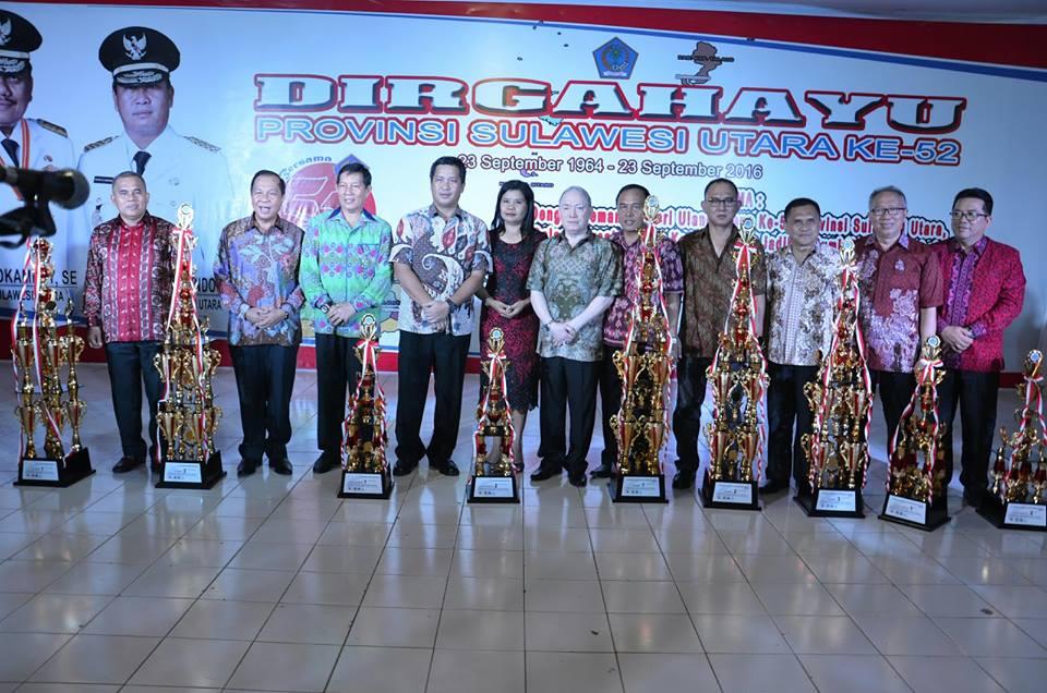 Wakil Gubernur Sulawesi Utara Drs Steven Kandouw menutup Pameran HUT ke-52 Sulut