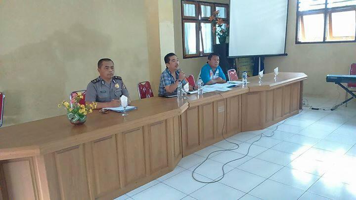 Rapat membahas pertandingan sepak bola antar pelajar dan pertandingan karate
