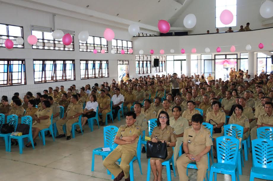 Para peserta Rakor Keasistenan Pemerintahan dan Kesra  Pemkot Tomohon