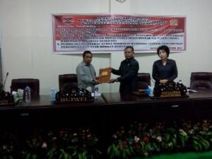Perda Perlindungan Perempuan dan Anak, DPRD Mitra , james sumendap, Drs Tavif Watuseke,