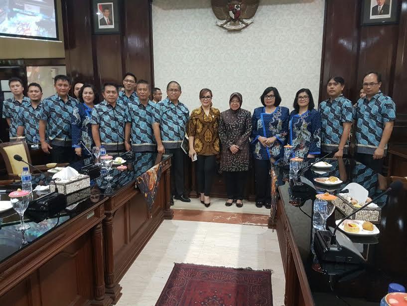 Rombongan Pemkot Tomohon saat berkunjung ke Pemkot Surabaya