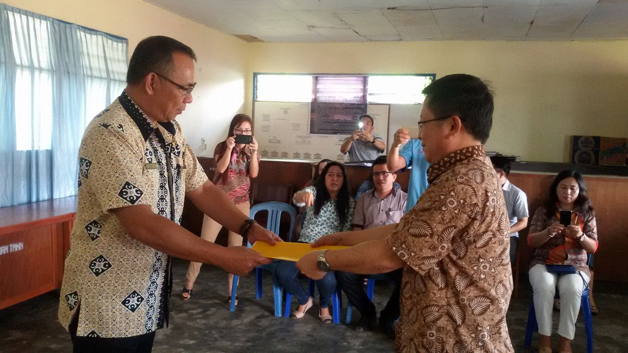 Serah Terima Jabatan Direktur Perusahaan Daerah Air Minum Kota Tomohon
