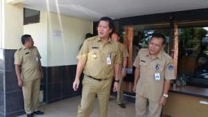 Samsat Bolmong,  Drs. Roy Tumiwa tersebut,  Lendy Daud,