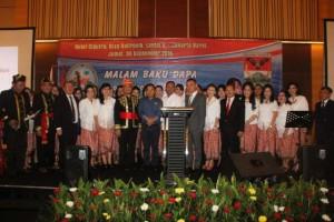 Suasana keakraban dalam pertemuan 'Malam Baku Dapa' Bupati James Sumendap dan warga Minahasa Tenggara se-Jabodetabek