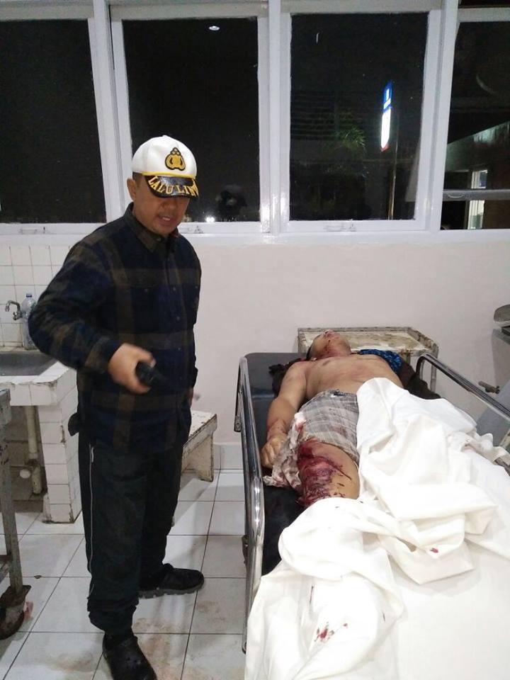 Petugas Polres Tomohon dan korban Lakalantas di Kakaskasen Tiga