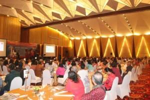 Warga Minahasa Tenggara yang berada di Jabodetabek hadir dalam pertemuan dengan Bupati