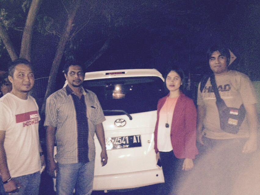 Tim Resmob Tomohon bersama kendaraan yang ditemukan di Halmahera
