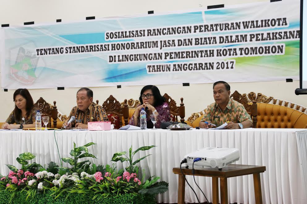 Sosialisasi Standarisasi Honorarium Jasa dan Biaya dalam Pelaksanaan Tugas Kegiatan di Lingkungan Pemerintah Kota Tomohon