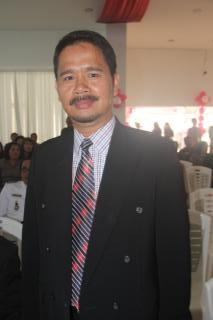 Asisten Bidang Pemerintahan dan Kesejahteraan Rakyat Drs Gotlieb Mamahit